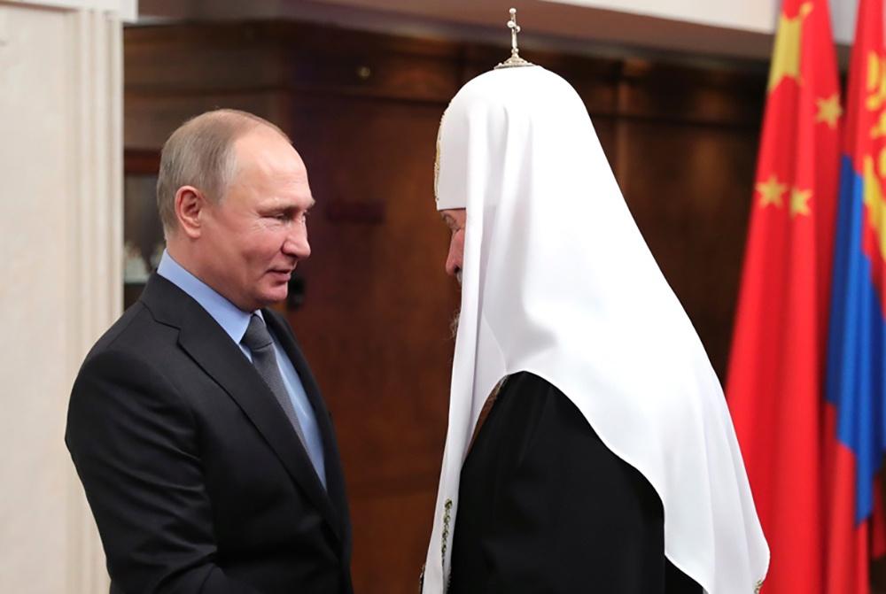 Патриарх Кирилл поздравил Владимира Путина с переизбранием в Президенты России