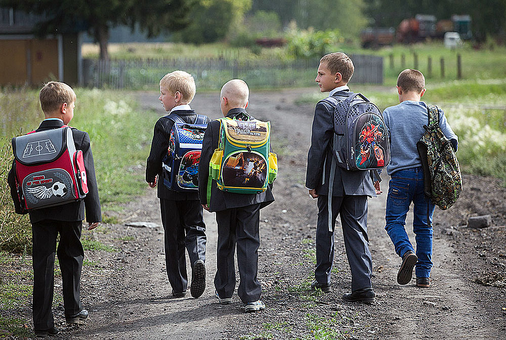 Россияне назвали главные проблемы детства