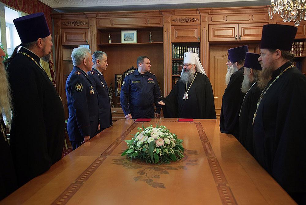 Глава митрополии и начальник ГУФСИН России по Свердловской области подписали соглашение о взаимодействии