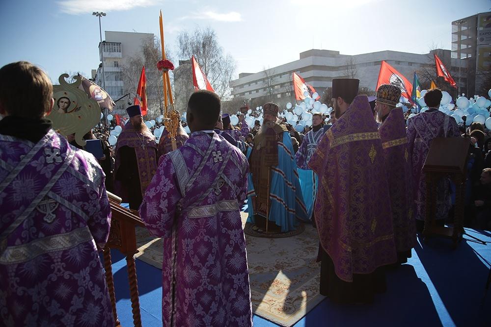 Более 250 добровольцев Благотворительного Фонда «НИКА» приняли участие в молебне – Торжество Православия в Екатеринбурге.